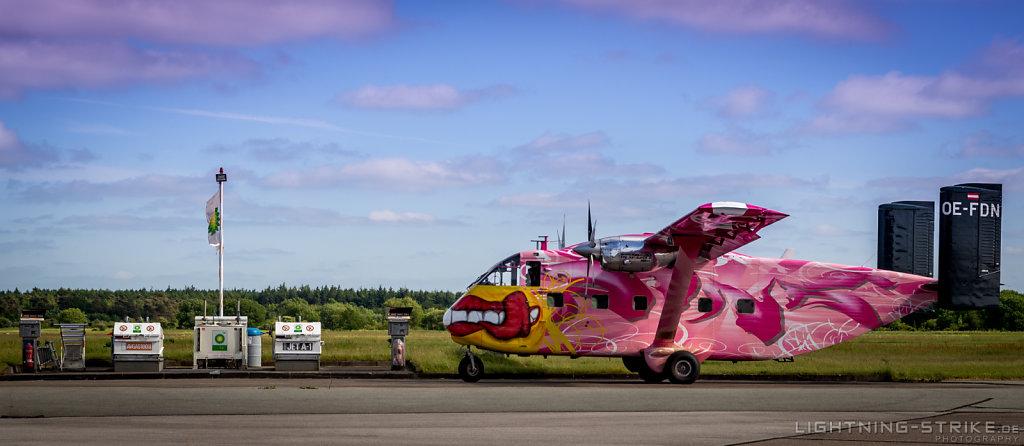 Pink Skyvan